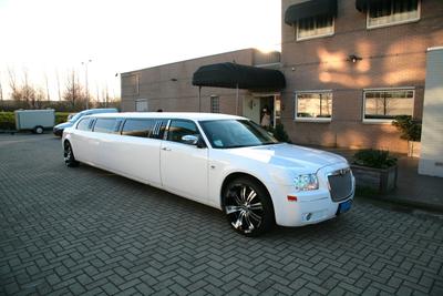 Een limousine huren in Utrecht kan gewoon online